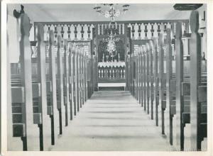 Kirkja, altari